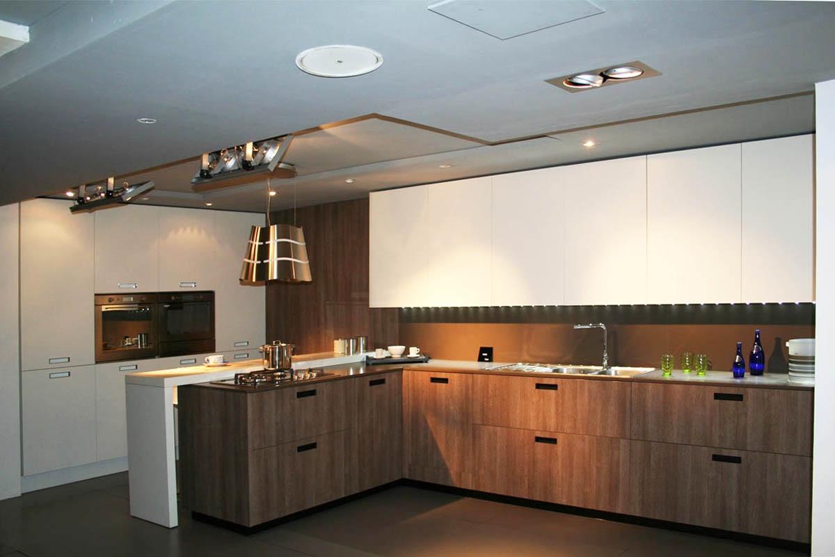 Cucina cesar con penisola piano e schienale in okite with - Piano cucina okite ...