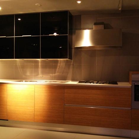 Cucina Cesar design in vetro nero e teak - Cucine a prezzi scontati