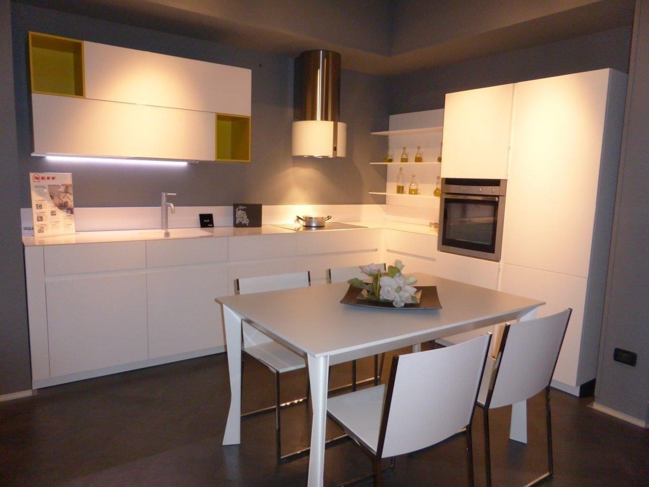 cesar elle kitchens solid door cesar lacquered kitchens kitchen ...