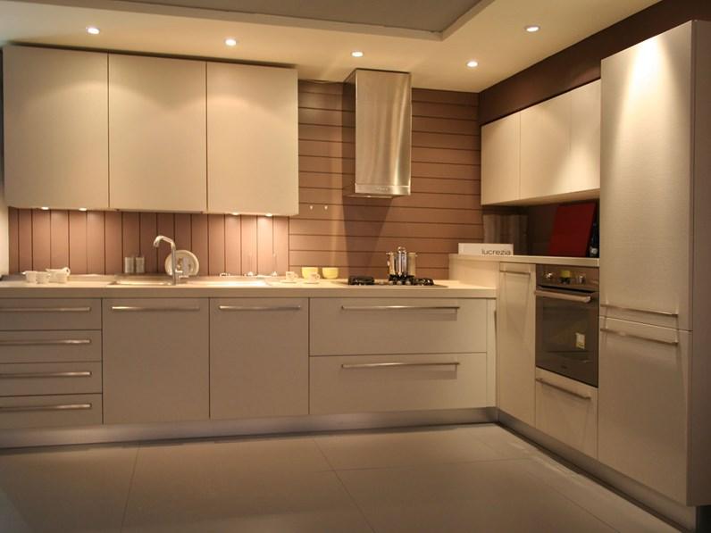 Cucina ad angolo cesar in legno con elettrodomestici - Cucine cesar prezzi ...