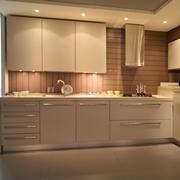 Cucina ad angolo Cesar in legno con elettrodomestici