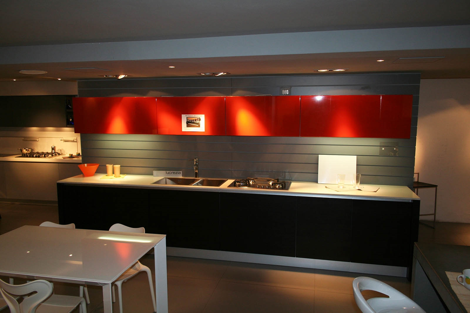 Cucina lineare cesar in rovere moro con piano in quarzo - Quarzo piano cucina ...