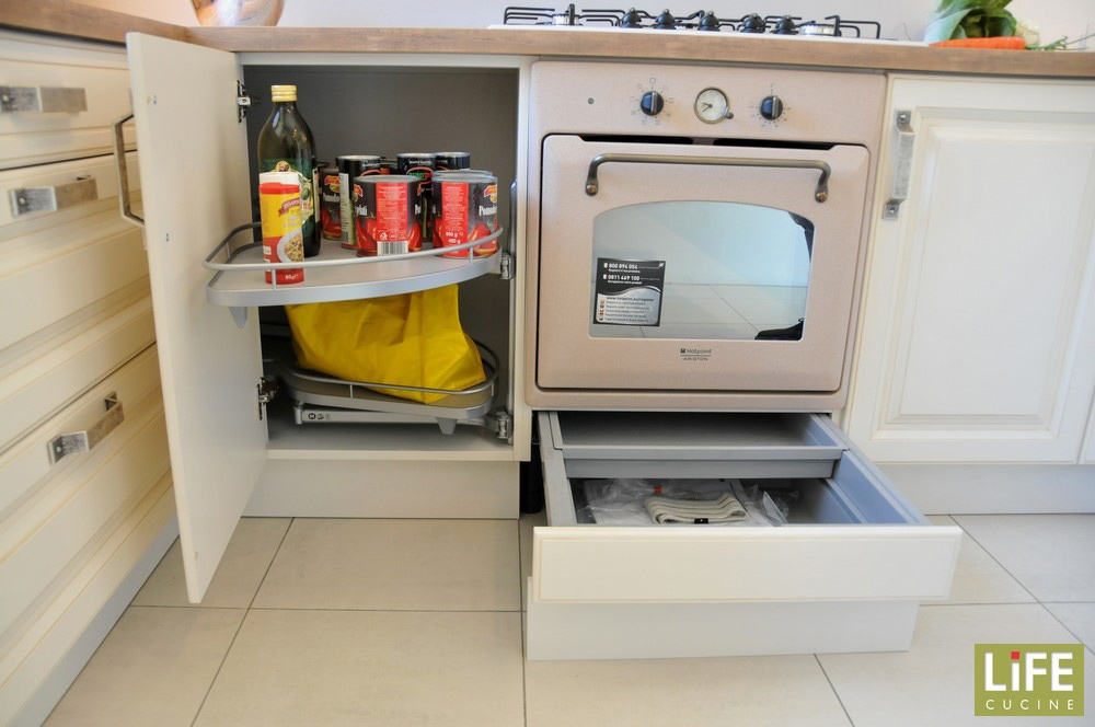 cucine moderne colore rosso  canlic for ., Disegni interni