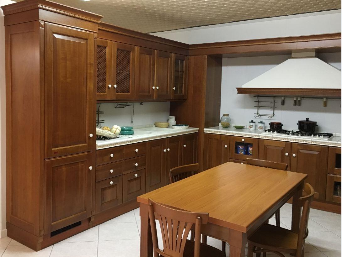 Cucina classica angolare scavolini modello baltimora - Barra portautensili cucina scavolini ...