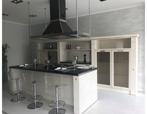 Cucina classica bianca Scavolini ad isola Grand relais scontata