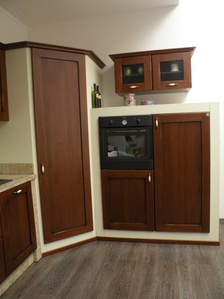 Awesome Cucine Gatto Classiche Pictures - Home Design - joygree.info