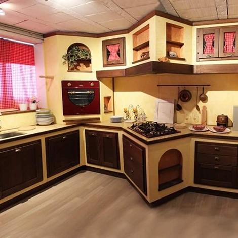 cucina artigianale classica, di gusto toscano, in noce completa di ...