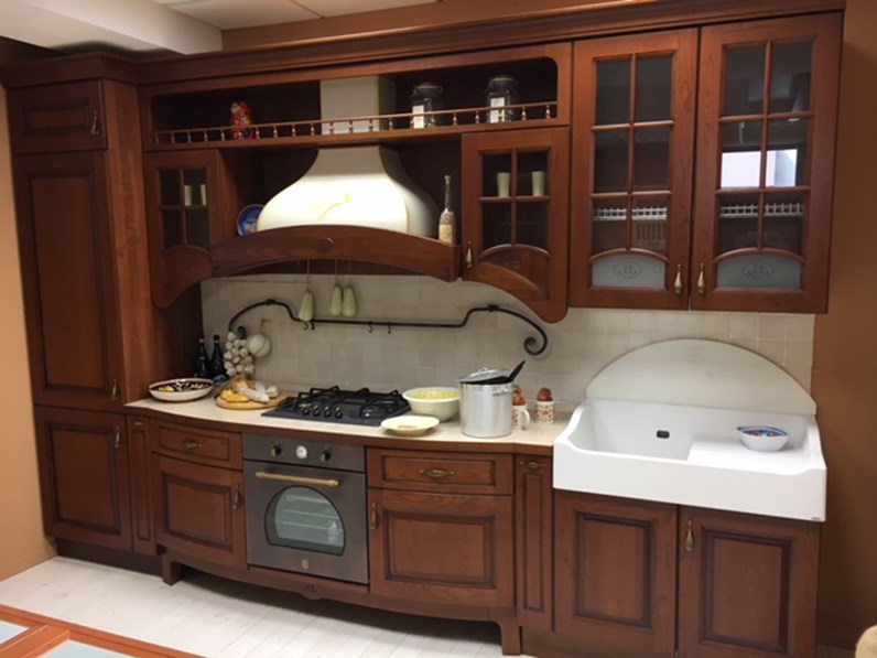cucina classica in legno lineare