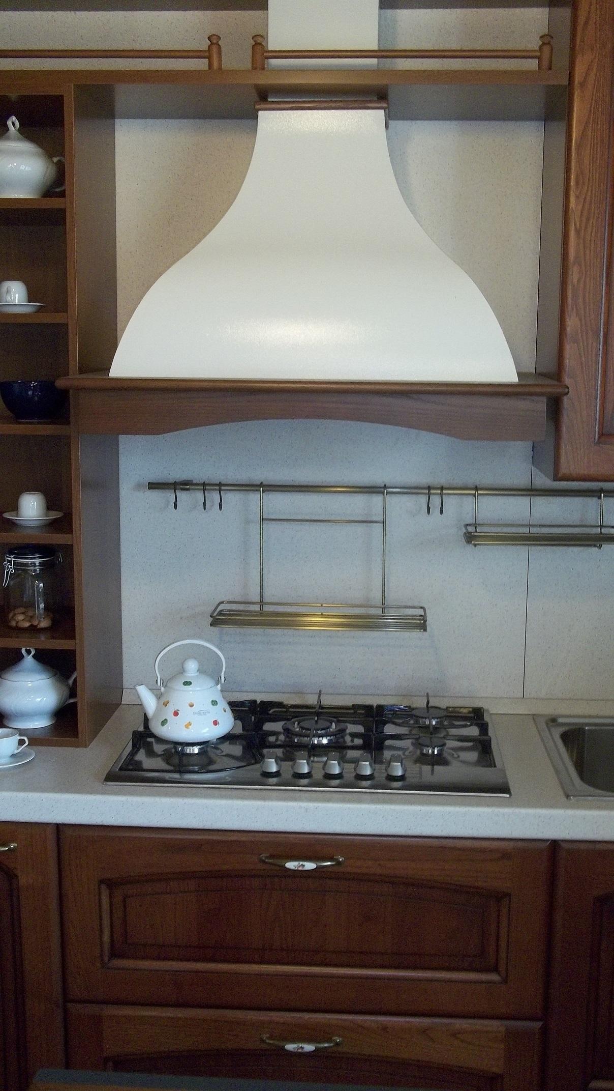 cappa classica zona cottura cucina classica legno massello scontata 50 europlak natura