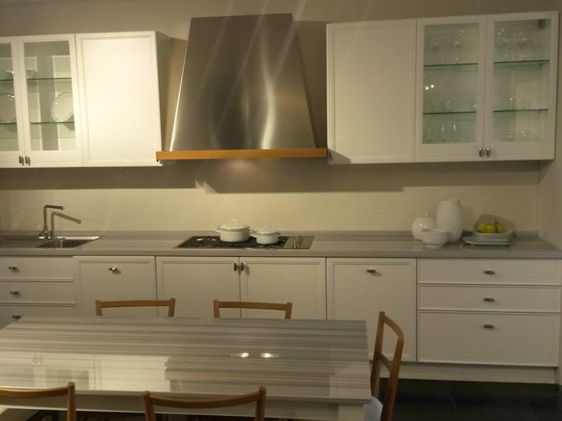 Cucina classica lineare aster cucine avenue a prezzo ribassato - Cucine a buon prezzo ...
