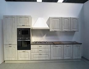 Cucina classica lineare con elettrodomestici inclusi in outlet