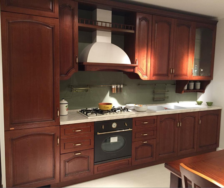 Cucina classica in legno lineare scavolini modello margot - Cucina scavolini classica ...