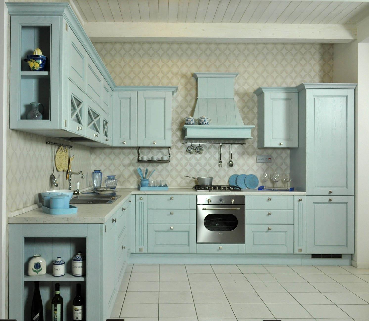 è Un Modello Di Cucina Classica Prodotto Da Lube Azienda Di Cucine  #777354 1492 1299 Mobili X Cucine Piccole