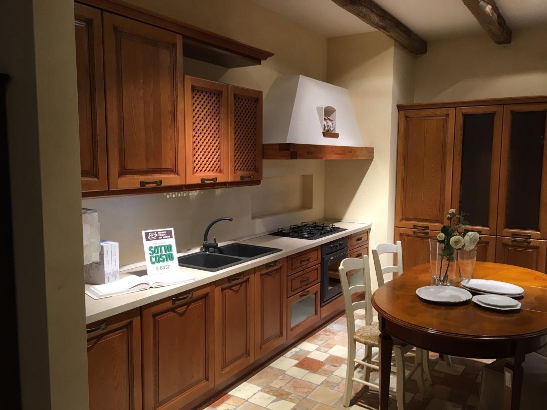 Cucina classica modello assisi cucine a prezzi scontati for Cucina classica