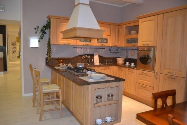 Cucina classica offerta cucine a prezzi scontati - Cucine lube prezzi offerte ...