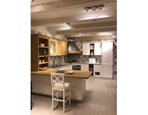Cucina classica rovere chiaro Veneta cucine ad angolo Pavese in offerta