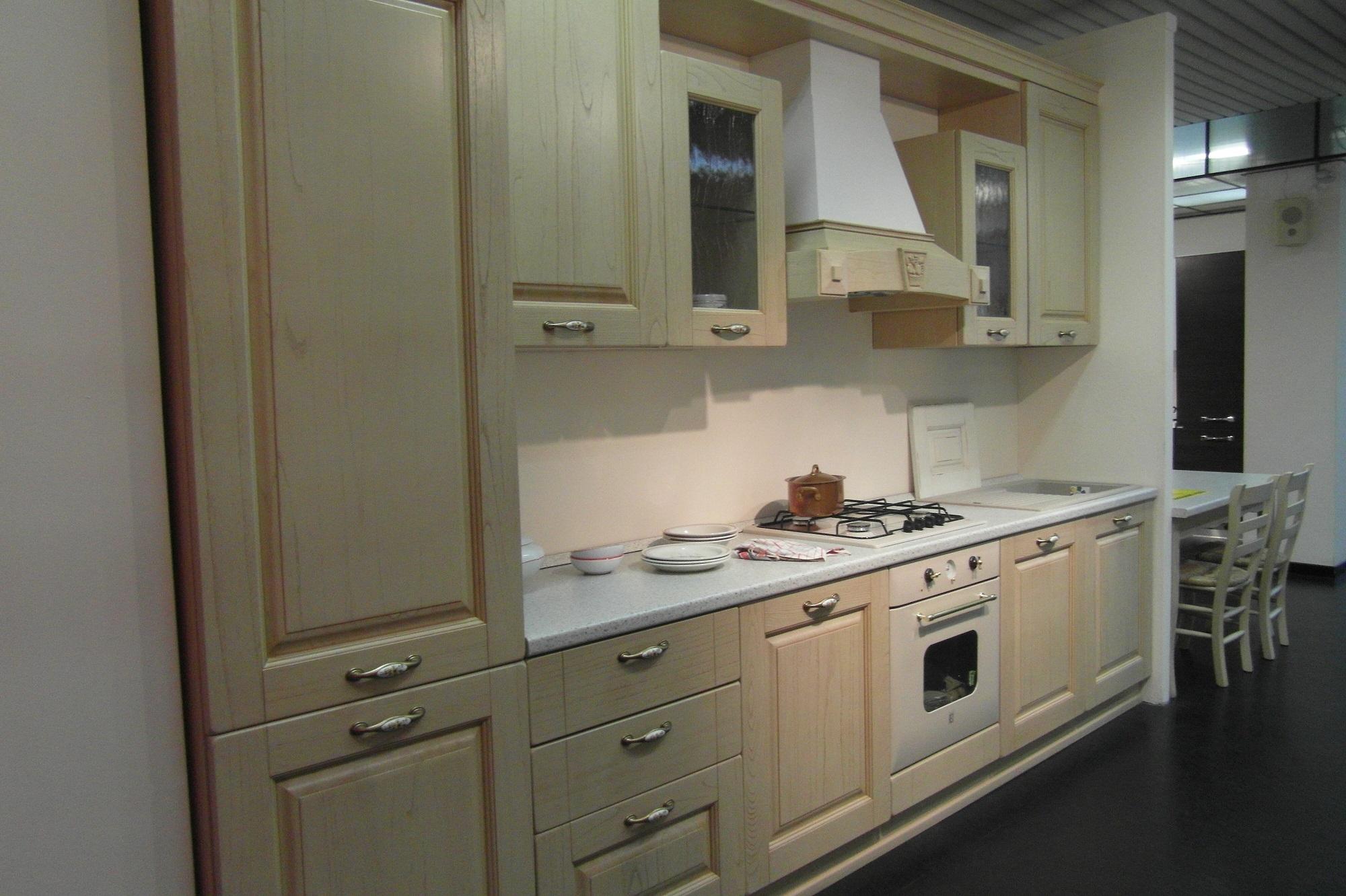 cucina classica rovere decapato beige cucine a prezzi