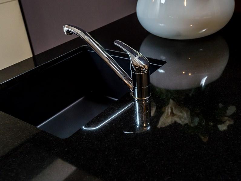 Cucina Clo Ad Isola Color Perla Lucido Top Granito Con Piano Cottura Induzione Domino Design
