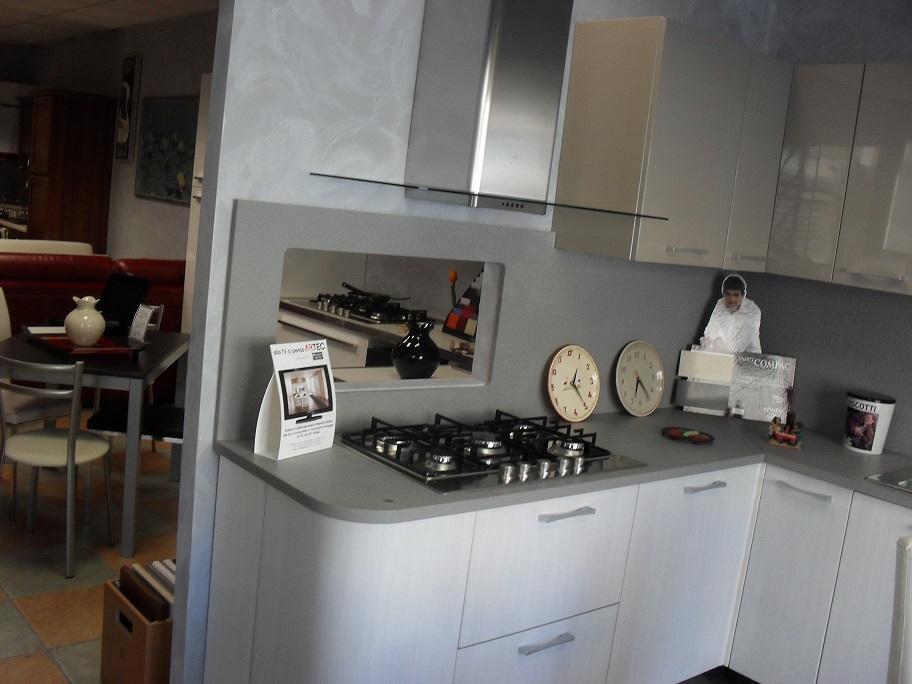 Cucina colombini glam scontato del 50 cucine a prezzi - Cucine moderne piccole ad angolo ...