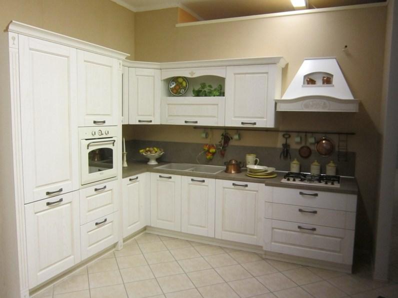 Cucina Comp. 3 classica bianca ad angolo Arredo3