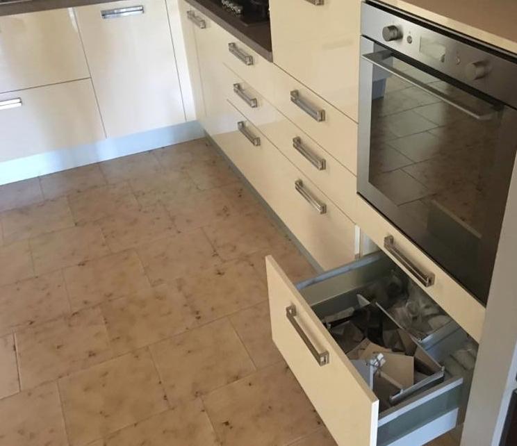 Cucina completa di elettrodomestici da showroom cucine a - Cucina 3 metri completa elettrodomestici indesit prezzi ...