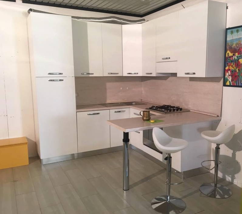 Cucina completa di elettrodomestici e penisola fine serie - Elettrodomestici cucina ...