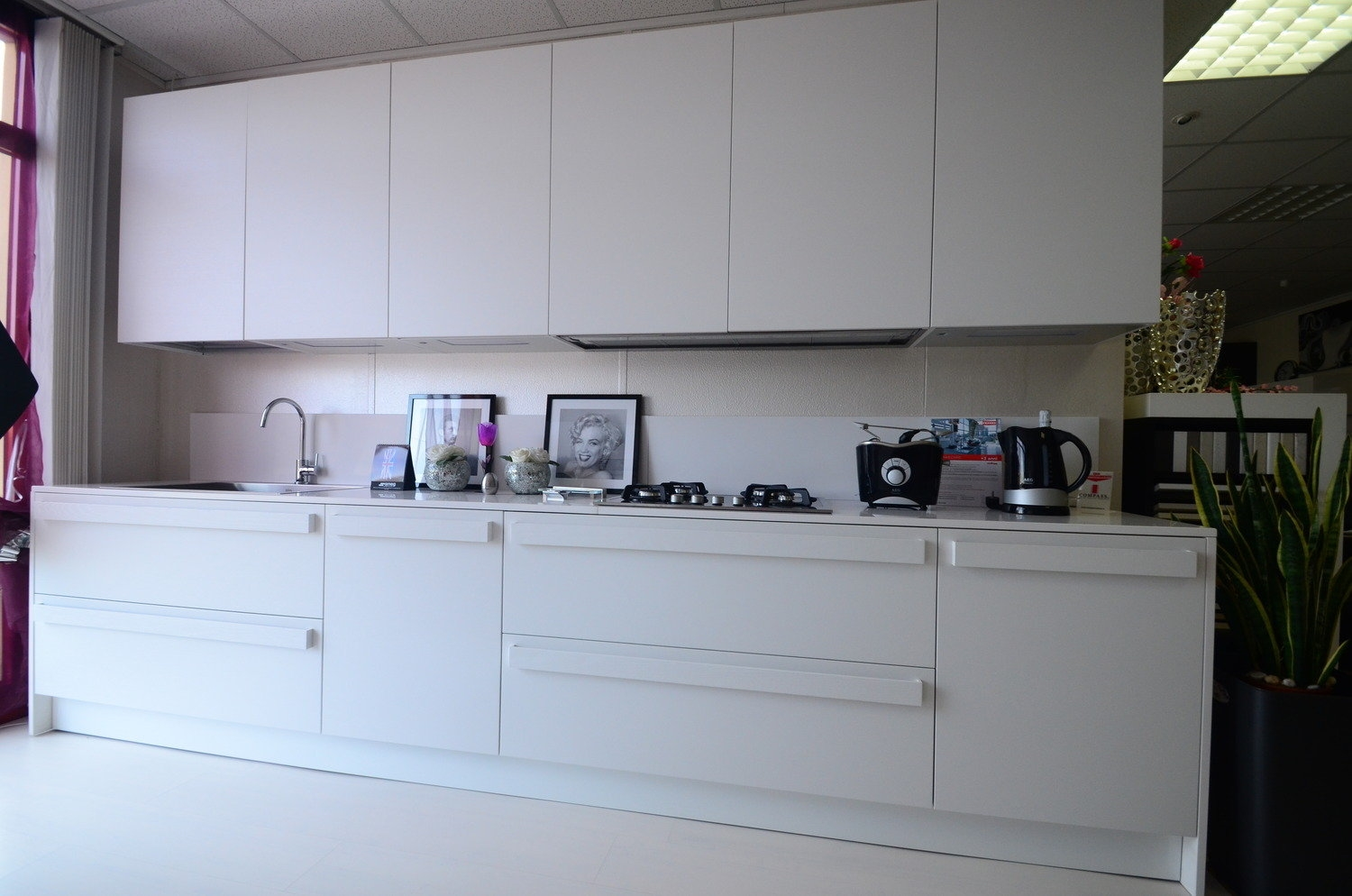 www.outletarredamento.it/img/cucine/cucina-complet...