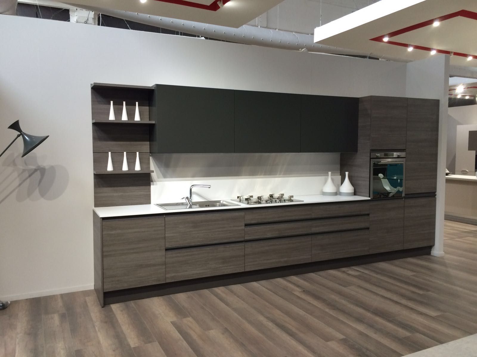 Cucina completa moderna essenza in larice grey in offerta for Cucine complete in offerta