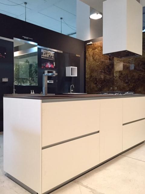 Cucina Composit Mood isola - tavolo integrato Design ...