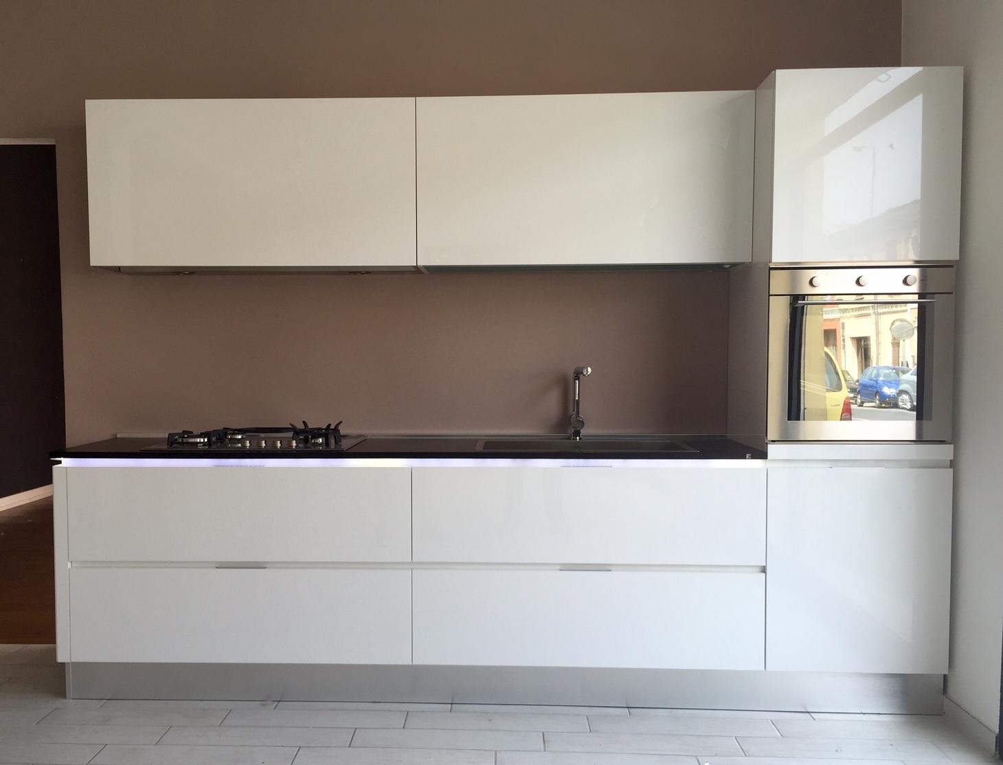 Cucina Composit Mya Design Laccato Lucido Bianca - Cucine a prezzi ...