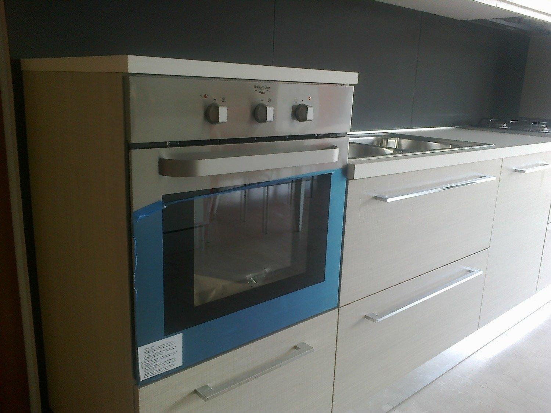 cucina astra cucine iride line moderna laccato opaco bianca ... - Rex Cucine