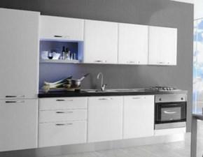Cucina con elettrodomenstici sconta del 27%