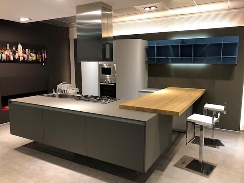 Cucina con isola arrital cucine scontata del 50 cucine for Zanotto arredamenti