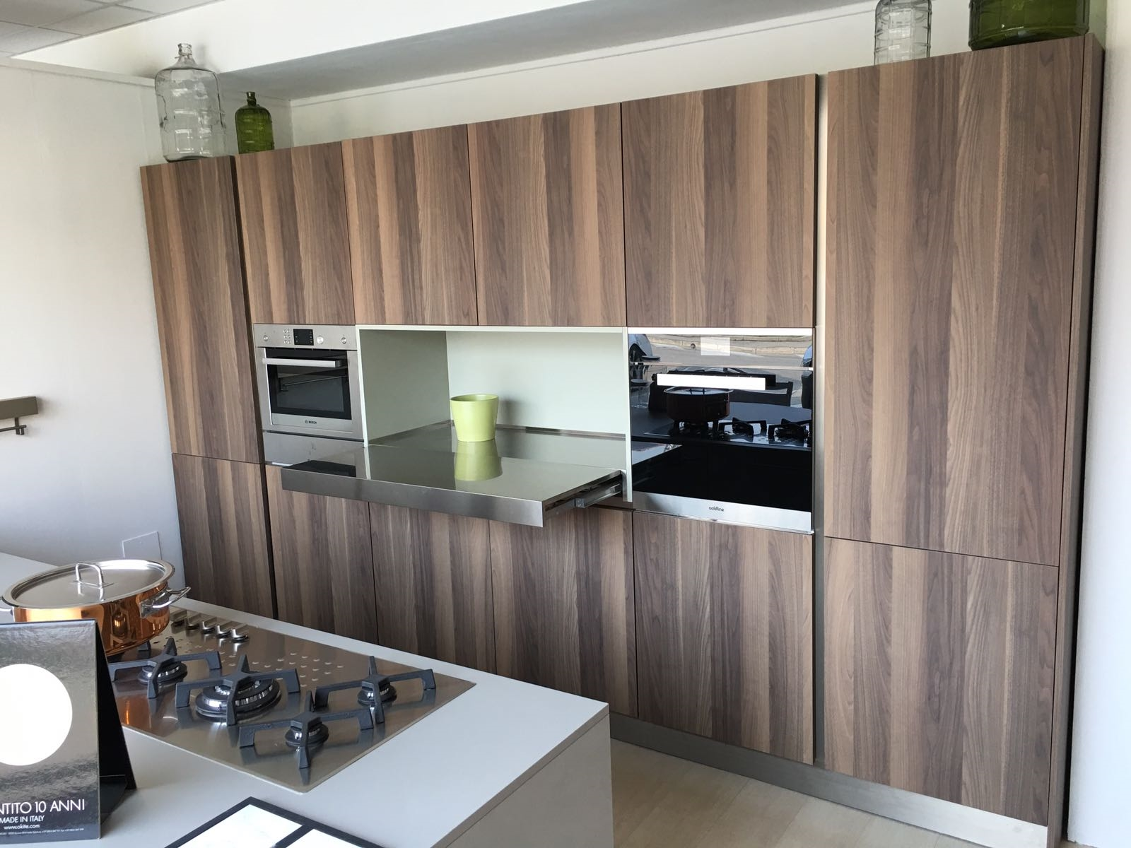 Stunning cucine con l isola contemporary acrylicgiftware for Outlet cucine con isola