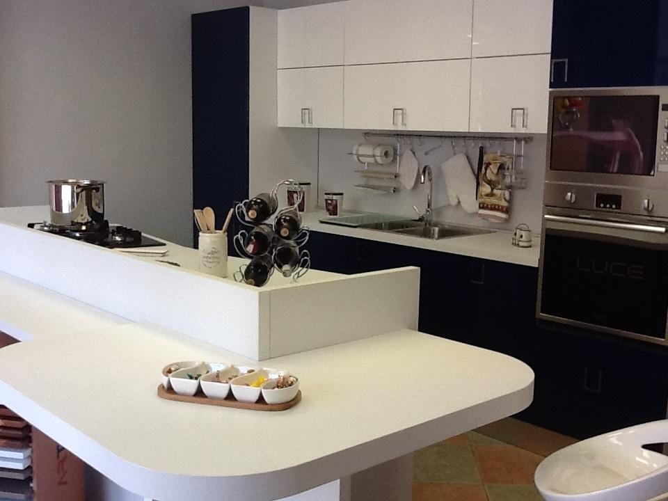 Cucina moderna con isola prezzi images - Cucina isola prezzi ...