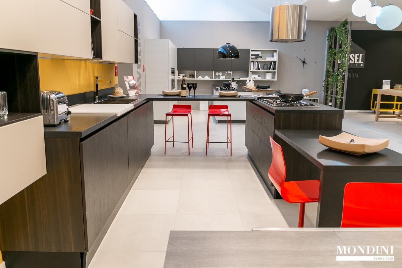 Cucina con isola scavolini modello liberamente scontata - Cucine con isola scavolini prezzi ...