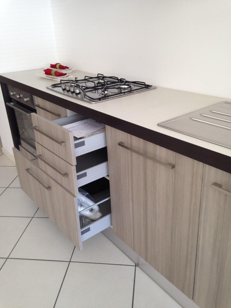 Cucina con penisola arrex in offerta cucine a prezzi scontati - Cucine angolari in offerta ...