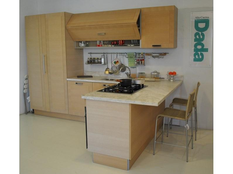 Cucine con penisola dada in rovere naturale scontata del 60 for Mobili cucine componibili prezzi