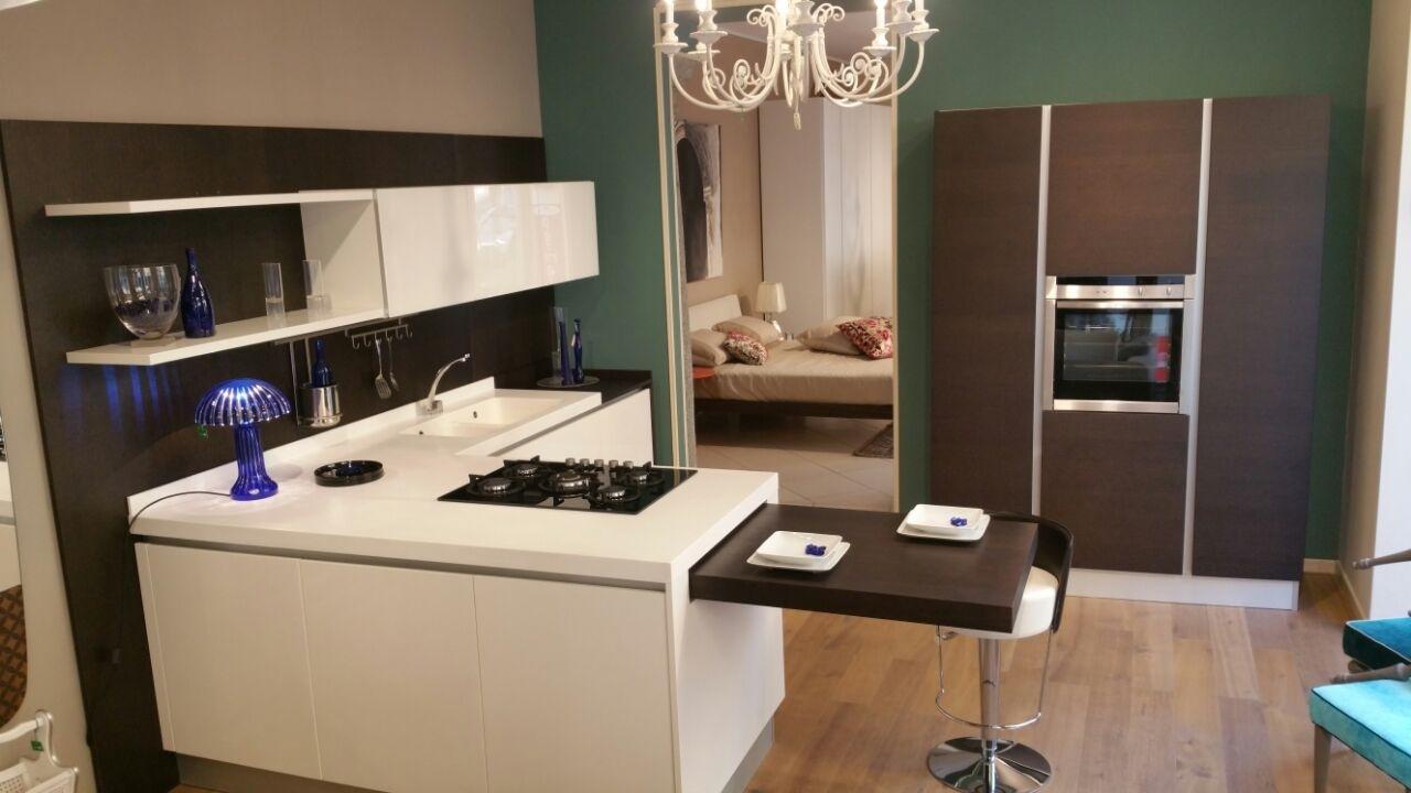 Cucina doimo modello city scontata al 60 cucine a - Cucina con tavolo estraibile ...