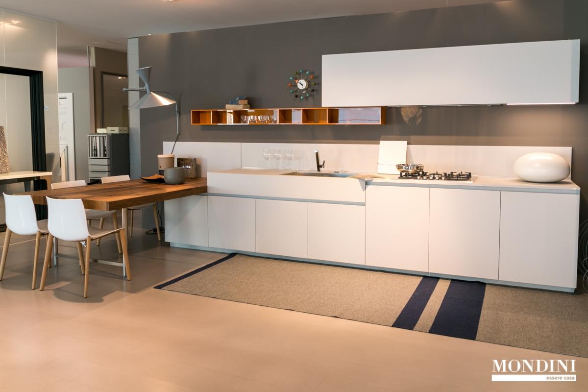 Cucina con penisola ernestomeda modello one scontata del for Penisola da cucina