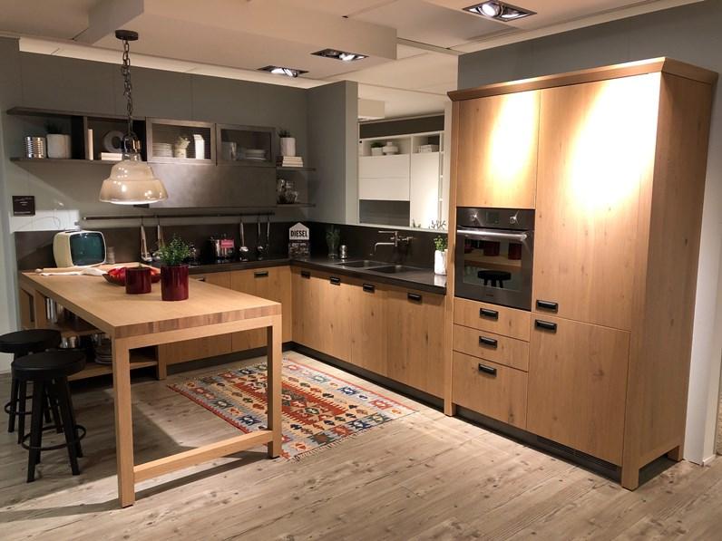 Cucina con penisola in legno a prezzo scontato 49 for Borgonovo arredamenti