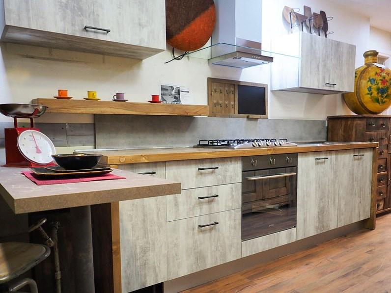 Piano Cucina Legno Prezzi.Cucina Con Penisola In Legno Bianca Cucina Con Penisola Piano Legno Wood In Offerta A Prezzo Ribassato