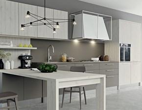 Cucina con penisola modello Kalì a prezzo scontato finiture a scelta su progetazione.