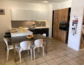 Cucina con penisola moderna Gaia Mobilturi cucine a prezzo ribassato