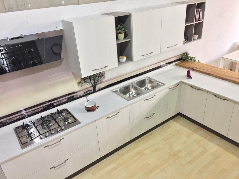 Cucina astra con penisola olmo bianco e grigio completa di for Cucina elettrodomestico