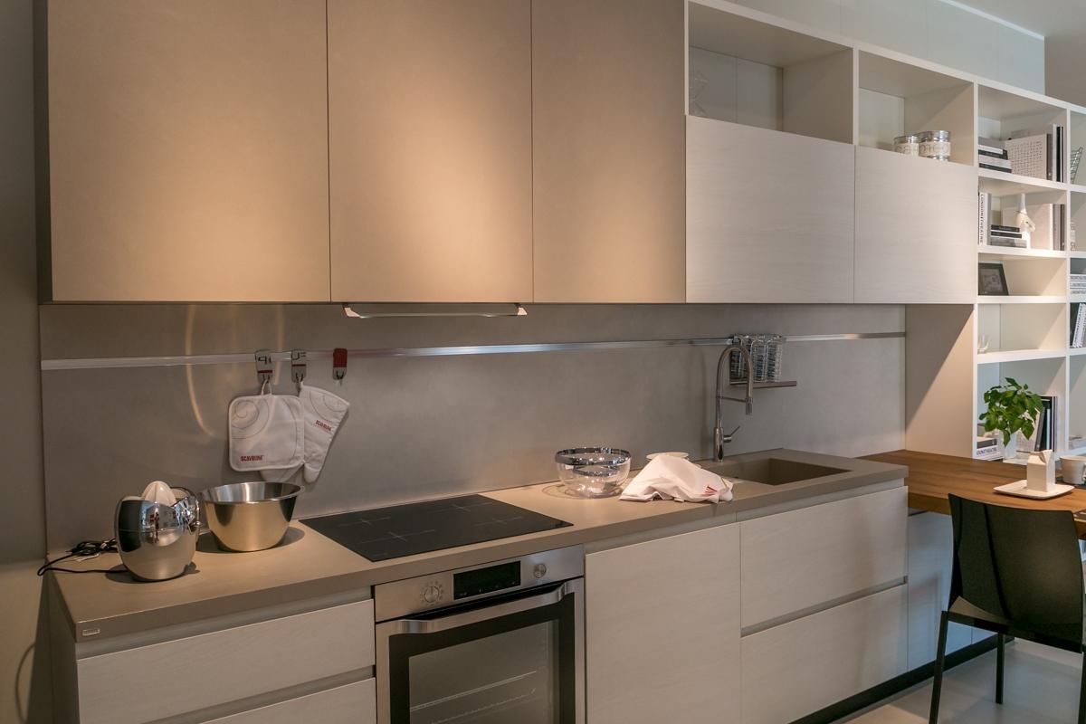 Cucina con penisola Scavolini modello Motus scontata del 25% - Cucine ...