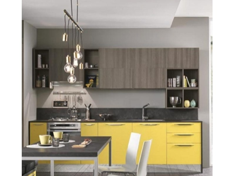Cucina con pensili vasistas ed elettrodomestici in promozione - Elettrodomestici in cucina ...