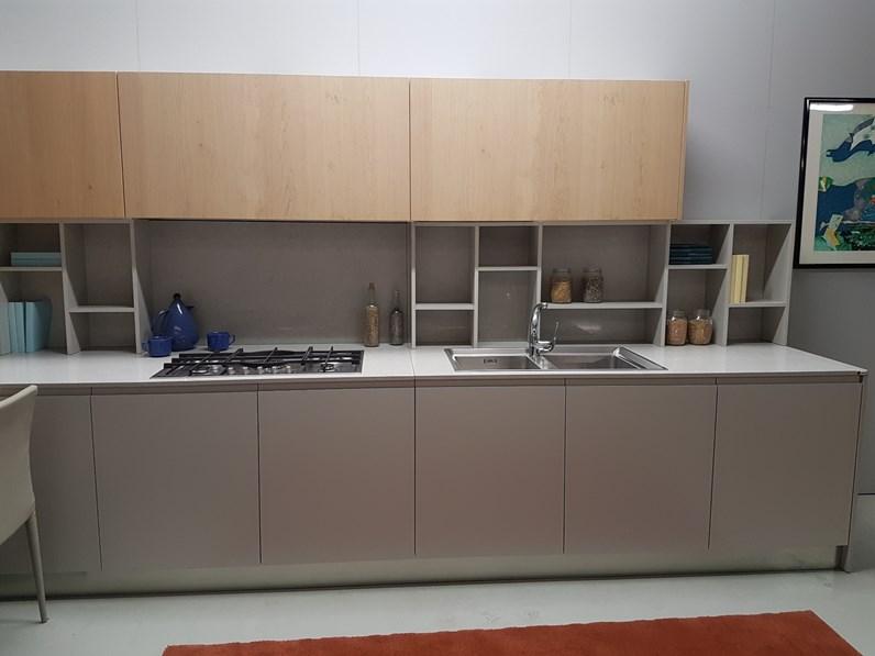 Cucina con tavolo penisola in legno rovere naturale e for Tavolo cucina rovere