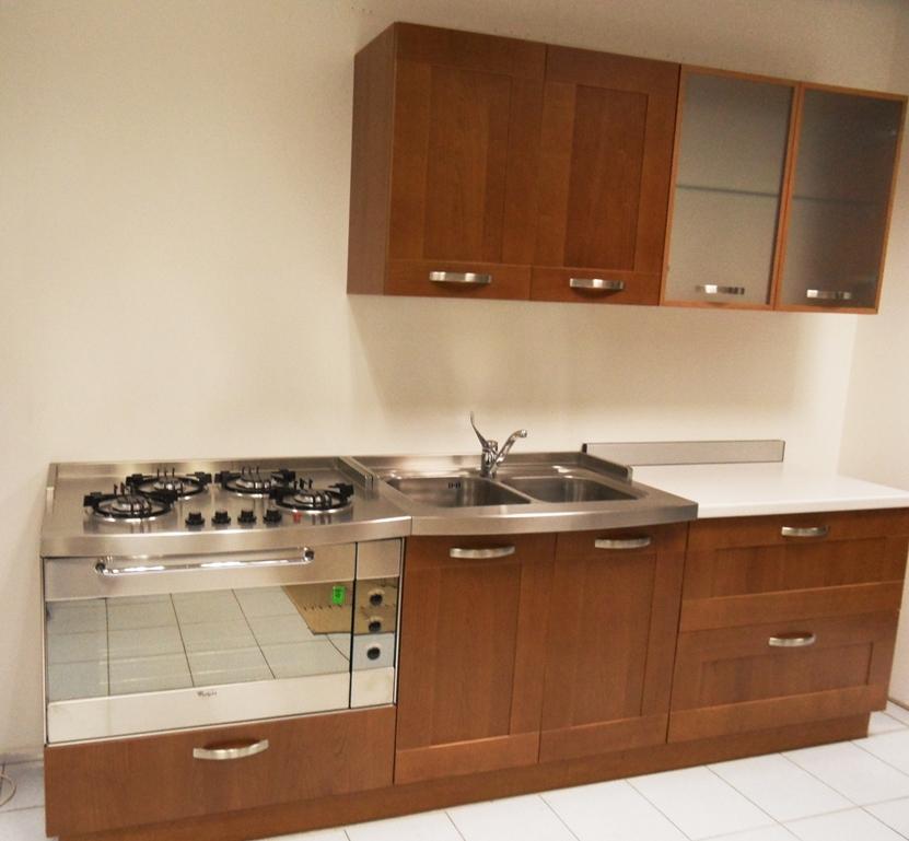 Controsoffitti cucina con isola for Cucina moderna in ciliegio