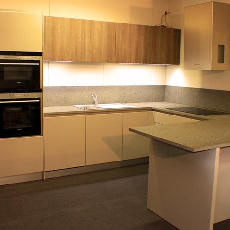 Cucina copat cucine salina moderno laccato lucido cucine - Cappa cucina laterale ...